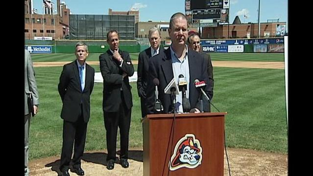 City, Caterpillar, Banks Help Bail Out Peoria Chiefs