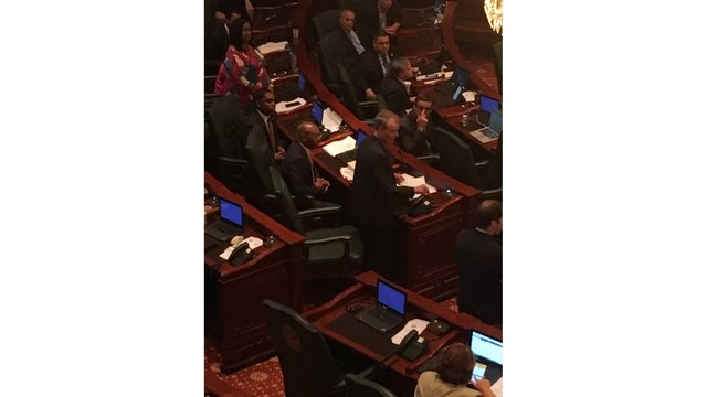 Illinois House makes budget progress