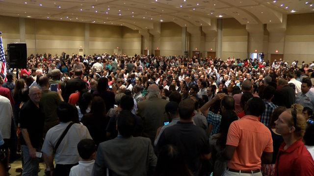 Hundreds in central Illinois become U.S. Citizens