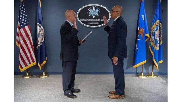 Heffner sworn in as U.S. Marshal of Central District of Illinois