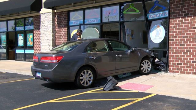 Car slams into Eagle Dry Cleaners in north Peoria